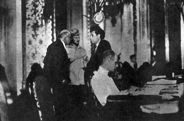 12ª sesión, 16 de noviembre de 1922  En el momento en que se instala el IV Congreso de la Internacional Comunista, ya eran viejas las divergencias entre el Partido […]